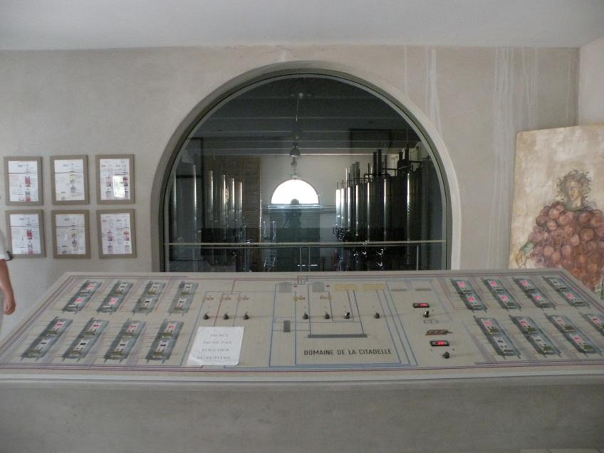 Panoul de comanda pentru fabricarea vinului