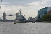 Tower Bridge & HMS The Belfast (navă de război din al doilea Război Mondial, ancorată în apropiere de Tower Bridge și transformată în muzeu - merită o vizită!!!).