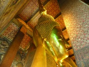 Wat Pho: Templul lui Buddha culcat pe o parte. 