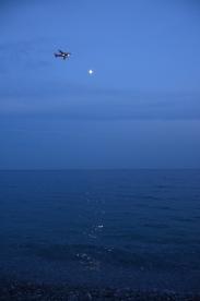 Nisa. Reflexia lunii pe apa mării, despre care am aflat că suedezii o numesc 'mångata'. Iulie 2013 Foto: ©SLOWAHOLIC
