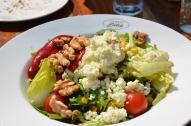 Mic dejun la Sütiș. Istanbul. Martie 2013 Breakfast at Sütiș. Istanbul. March 2013 Photo: ©SLOWAHOLIC