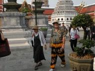 Nădragi de împrumut. :D Palatul Regal. Bangkok. Tailanda. Grand Palace, Bangkok, Thailand. Photo: ©Slowaholic