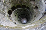 Initiatic Well. Putul Initierii. Quinta da Regaleira, Sintra, Portugal. Photo: ©SLOWAHOLIC