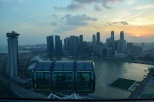 Singapore Flyer. Feb. 2014 Photo: ©SLOWAHOLIC