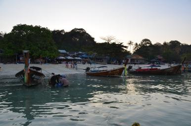 Sea gypsies. Ko Phi Phi Photo: ©Slowaholic