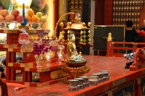 Sala dedicată zodiacului chinezesc. Room dedicated to the Chinese zodiac. Buddha Tooth Relic Temple & Museum, Singapore Photo: ©Slowaholic
