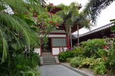 Grădina de pe acoperiș. Roof top garden. Buddha Tooth Relic Temple & Museum, Singapore Photo: ©Slowaholic
