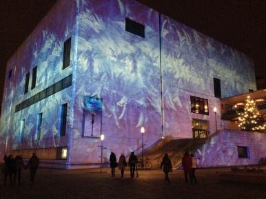 Proiecții pe Leopold Museum. MQ in winter, by night. Foto: ©Slowaholic