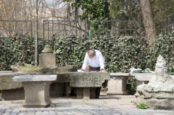 A man with a plan. Cișmigiu Park, Bucharest. Photo: ©Slowaholic