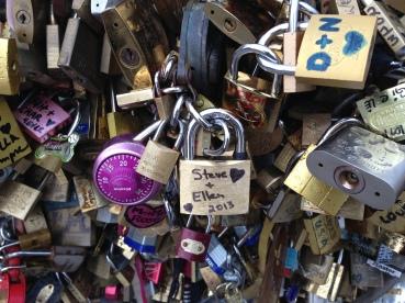 Toujours l'amour. Paris, Oct. 2013. Photo: ©Slowaholic