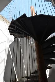 Scara spre terasa 'Deschis', care încă era închisă. Foto: ©Slowaholic